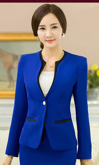 蓝色修身西装